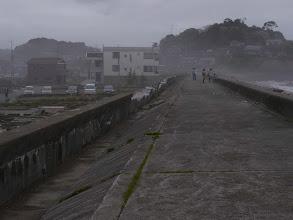 Photo: 福島県いわき市久ノ浜、堤防が壊れたままです。