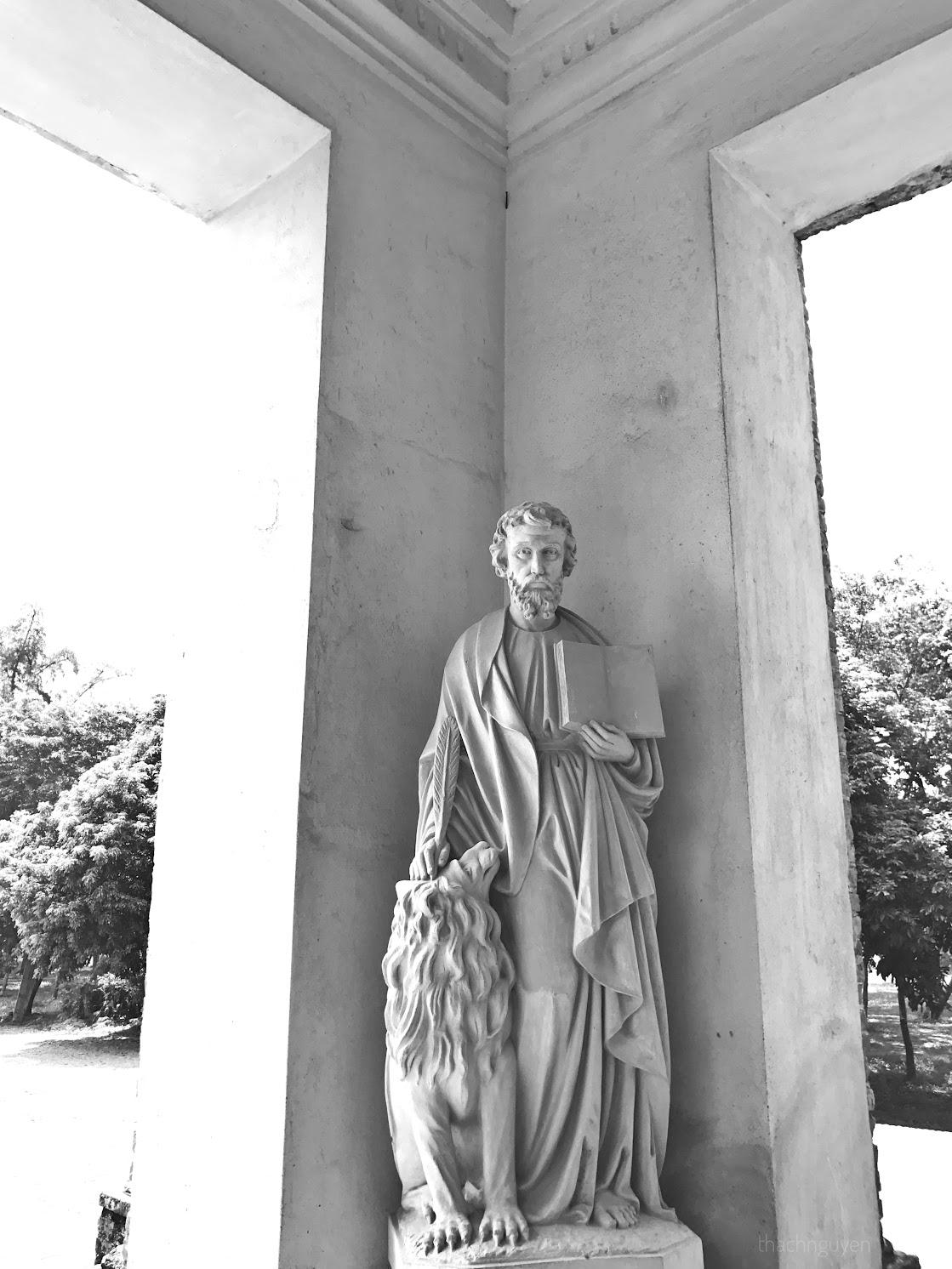 trước cửa đan viện châu sơn