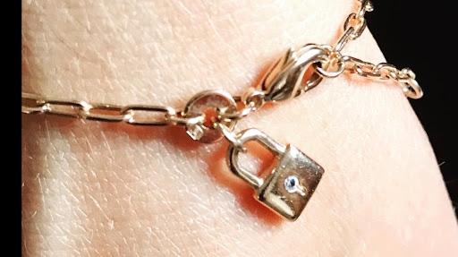 """Bracelet et ou collier """"cadenas"""""""