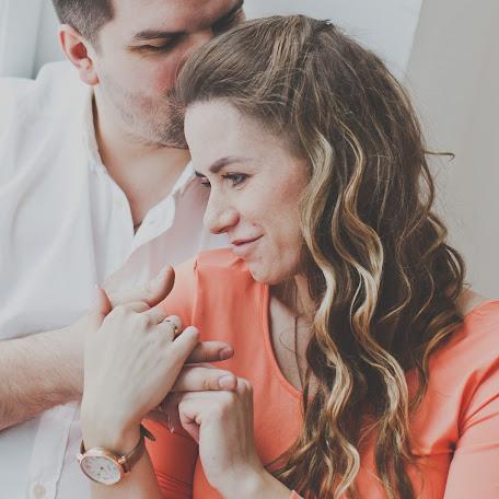 Wedding photographer Anna Lukerina (lookerina). Photo of 10.03.2015