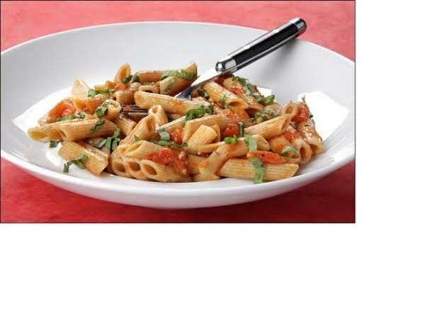 Pasta With Tomatoes And Honey Mustard Sauce.