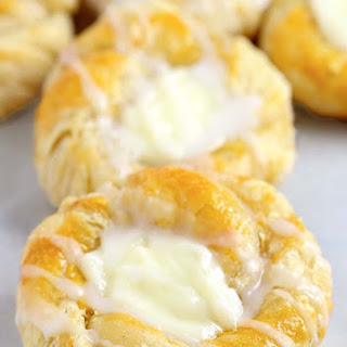 Easy Cream Cheese Danish.