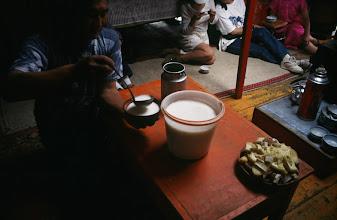 Photo: 03258 ブルド/バスハダール家/馬乳酒