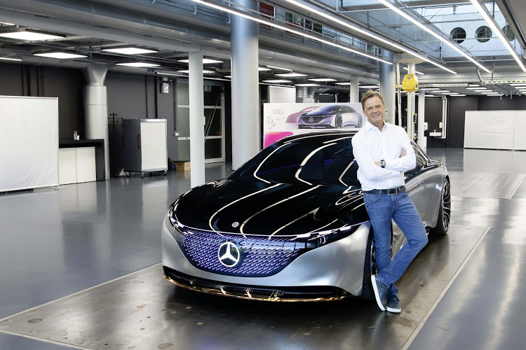 Markus Schäfer, member of the board of management of Daimler responsible for group research and Mercedes-Benz cars development, with the Vision EQS concept.