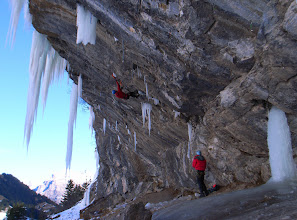 Photo: Redpointing the famous mixed route 'Pink Panther', Switzerland