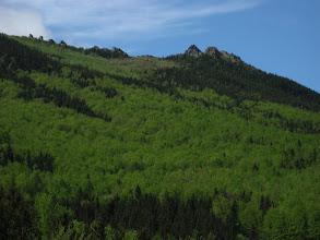 Photo: Po lewej stronie po raz kolejny majaczą widoki Obřích skál.