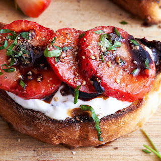 Fresh Strawberry Crostini with Honey & Balsamic