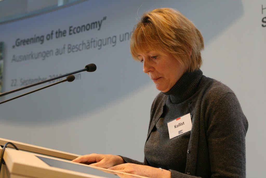 Photo: Die Botschaftsrätin für Wirtschaft, Arbeit und Soziales begrüßt die Gäste von beiden Seiten des Atlantiks