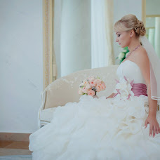 Wedding photographer Dmitriy Sapozhnikov (Sapojnikov). Photo of 14.01.2015