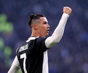 Cristiano Ronaldo zet Juve op weg naar zege en komt (voor héél even) op gelijke hoogte met Messi