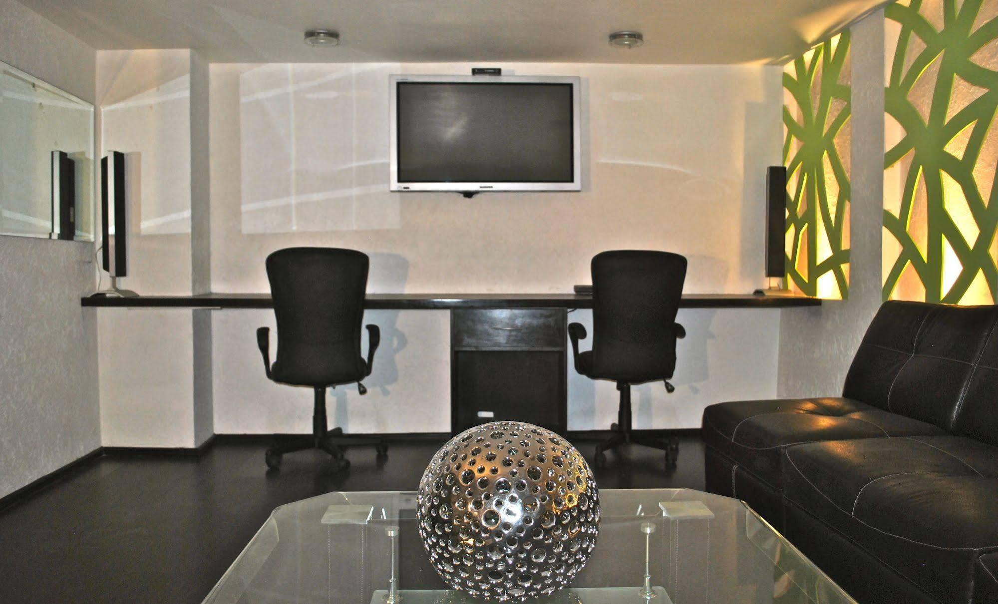 Business Suites SG