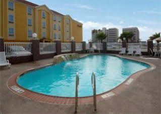Holiday Inn Express and Suites Corpus ChristiN Padre Island