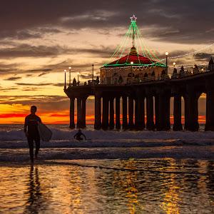 Pier Surfers-5.jpg