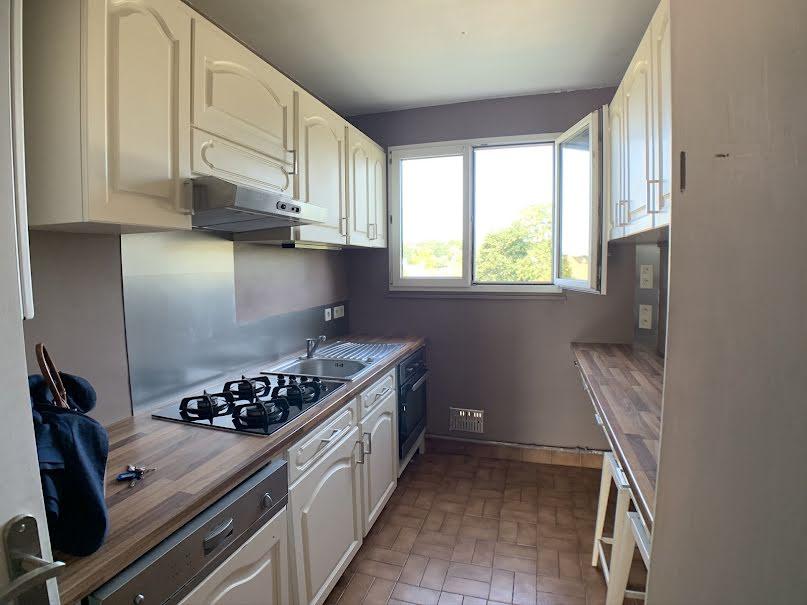 Location  appartement 3 pièces 59.89 m² à Bois-d'Arcy (78390), 916 €
