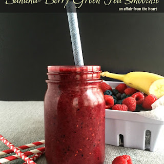 Banana-Berry Green Tea Smoothie
