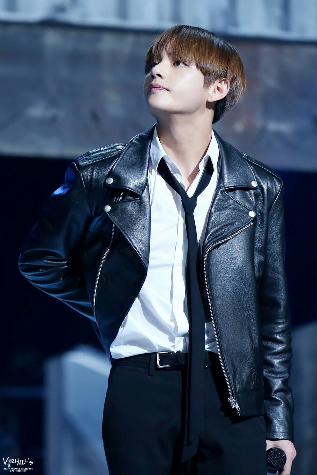 TOP 10 Sexiest Outfits Of BTS's V