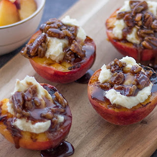 Grilled Peaches with Mascarpone and Caramelized Pecans