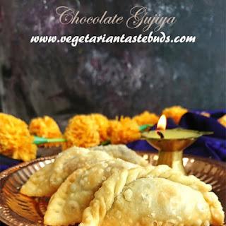 Chocolate Gujiya | Chocolate Coconut Gujiya Recipe