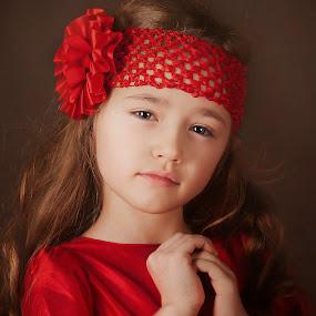 Dea by Anna Anastasova - Babies & Children Child Portraits ( girl child, red, girl, child portrait, portrait )