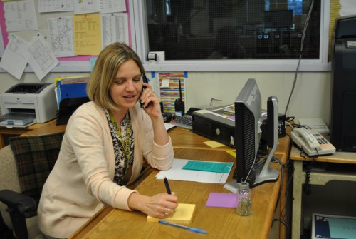 Company Front Desk Secretary   Importance of a Good Secretary