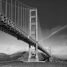 Golden Gate  by William Kauffman - City,  Street & Park  Vistas ( golden gate, san francisco )