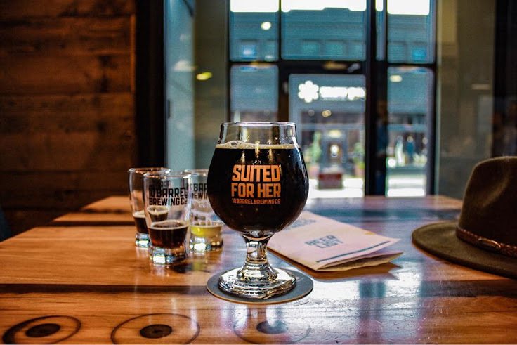 """Suited for Her"" at 10 Barrel Brewing. Photo: Katerina Pattee."