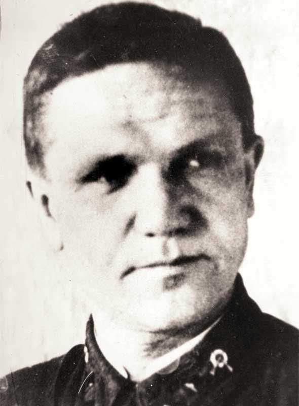 Вальков А.Я. - инструктор политотдела 35 осбр