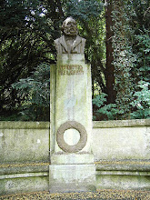 Photo: Freiligrath Denkmal in Oberwinter
