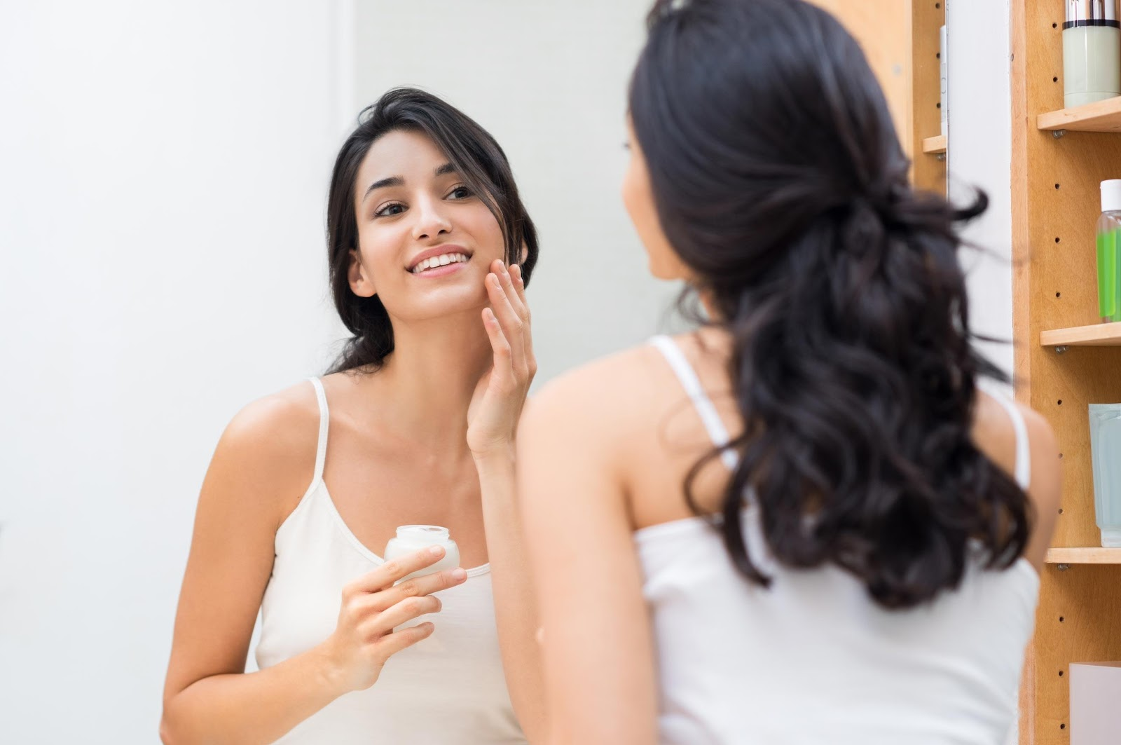 D:\Работа\SEO\GUEST POSTS\POSTS 2020\03.02.2020\Ryan 12 The Best Beauty Products for Brides-to-Be\shutterstock_564569767.jpg