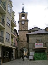 Photo: Etapa 22. Calle y Torre del Reloj. Ponferrada.