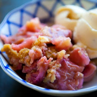 Rhubarb Crumble No Oats Recipes.