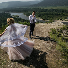 Wedding photographer Mikhail Zykov (22-19). Photo of 15.08.2017