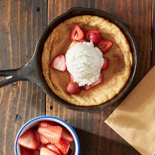 Strawberry & Snickerdoodle Skillet Cookie Sundaes