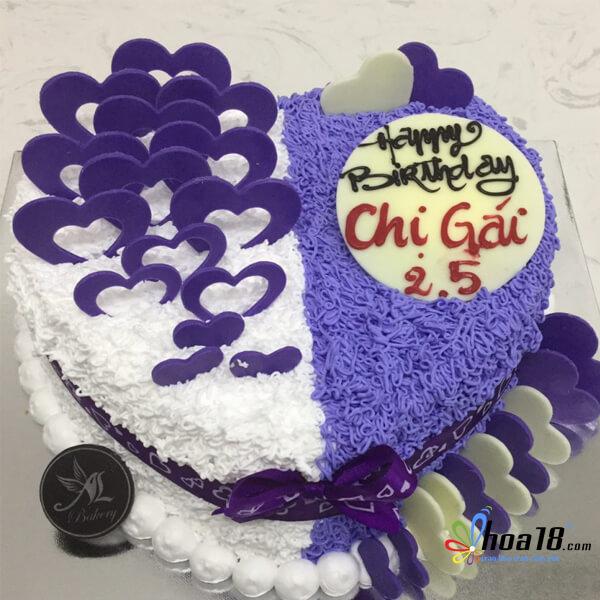 0d0890c090 Hoa và bánh sinh nhật màu tím sẽ là một lựa chọn thú vị dành tặng chị gái  nhân ngày sinh nhật