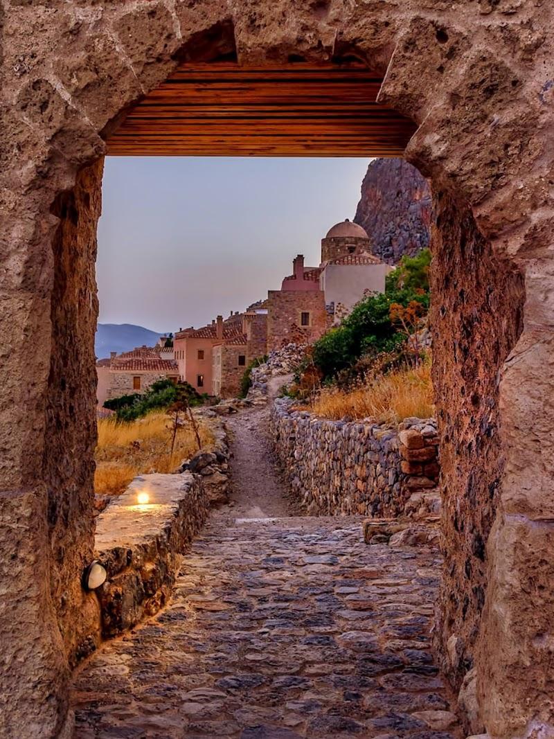 Verso il borgo di Sonia Delvecchio