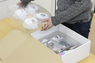 Photo: パーツは2層になっています。  正式なマニュアルはこちら >> You can read the manual on>> http://www.rapiro.com/assembly-manual/