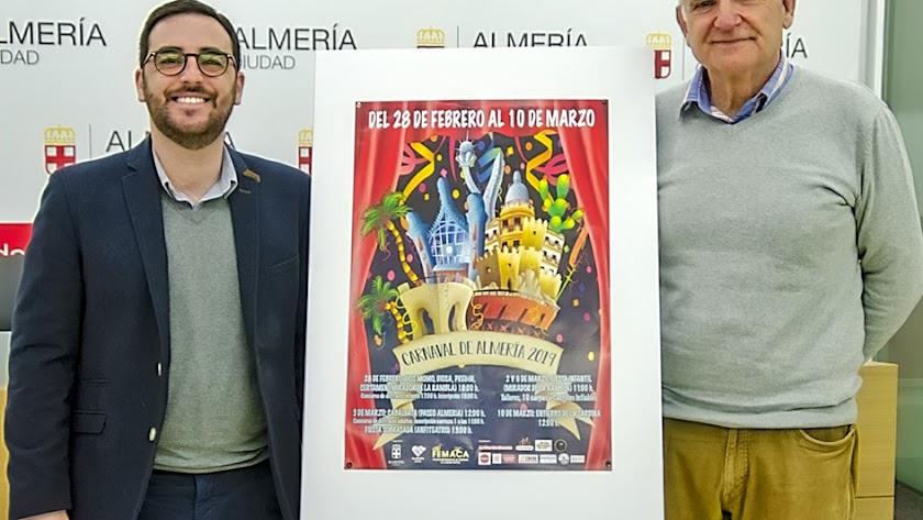 Presentación del Carnaval de Almería 2019, ayer en la Plaza Vieja.