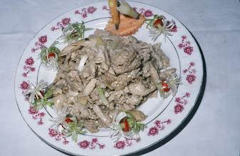 Photo: 04618 広州市/野味香飯店/料理/遊龍戯彩鳳/ニシキヘビと鶏胸肉の炒め物。龍は蛇、鳳は鶏。