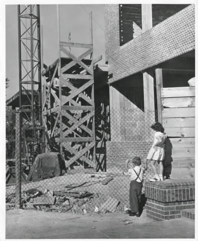 beachcourtkidswatchingconstruction1949