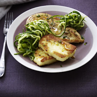 Honey-Chicken with Halloumi and Marinated Cucumber