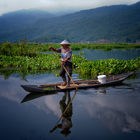 morning spirit by Ayah Adit Qunyit - News & Events World Events ( , water, device, transportation )