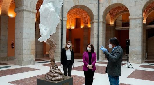 Burlas en la red por la escultura homenaje a las víctimas del Covid-19 en Madrid