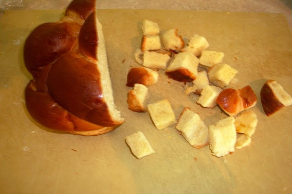 Challah bread cubes