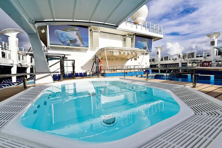 Sun lover's delight: Enjoy a few hours by the pool on board Norwegian Escape. You deserve it!