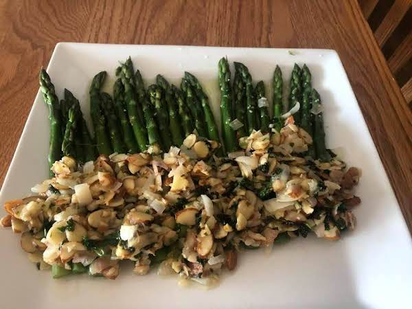 Steamed Asparagus With Buttered Almonds