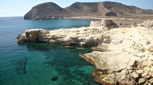 Diez razones para perderse por Almería