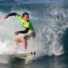 by Helen Nickisson - Sports & Fitness Watersports (  )