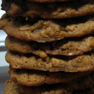 Gingerbread Oatmeal Raisin Cookies