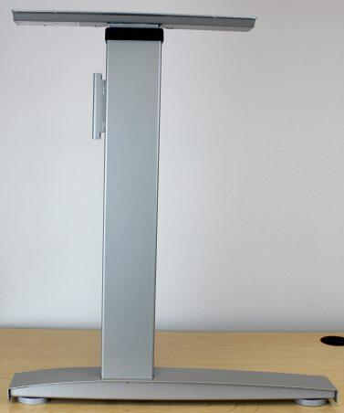 The aluminum table legs of the Bonita