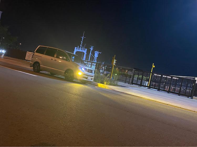ノア AZR60Gの60系ノア,60ノアマフラー,60ノア,綺麗な夜景に関するカスタム&メンテナンスの投稿画像1枚目